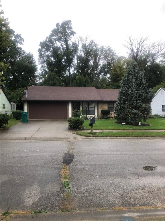 4258 Eagle Bay West Dr, Indianapolis, IN 46254 (MLS #21603579) :: HergGroup Indianapolis