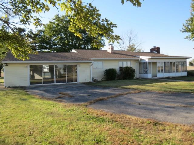 12519 W State Road 32, Parker City, IN 47368 (MLS #21604474) :: The ORR Home Selling Team