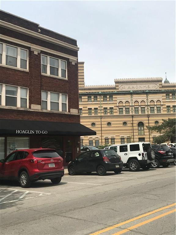450 Massachusetts Avenue #204, Indianapolis, IN 46204 (MLS #21607522) :: AR/haus Group Realty