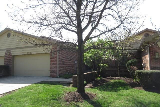 8062 Shoreridge Terrace, Indianapolis, IN 46236 (MLS #21610846) :: The Evelo Team