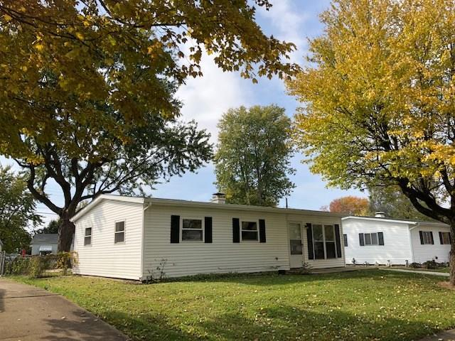 717 Berkeley Drive, Shelbyville, IN 46176 (MLS #21611298) :: Mike Price Realty Team - RE/MAX Centerstone
