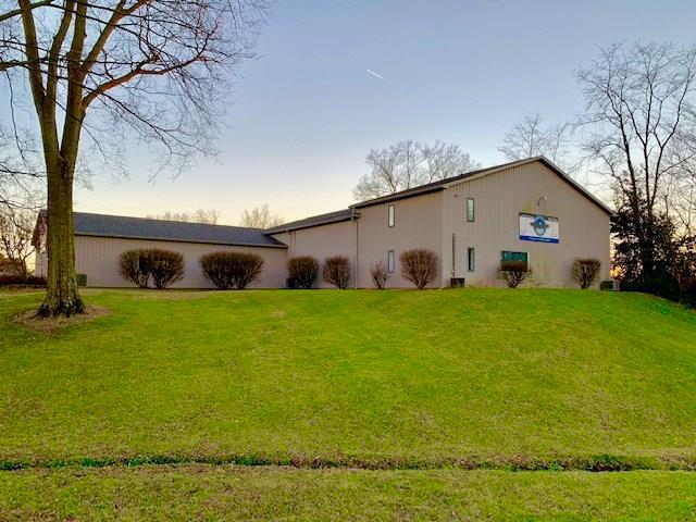 225 Mulberry St, Seymour, IN 47274 (MLS #21611336) :: Richwine Elite Group