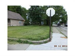 702 E 44th Street, Indianapolis, IN 46205 (MLS #21612123) :: AR/haus Group Realty