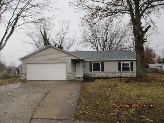 1247 Boonesboro Court, Greenwood, IN 46142 (MLS #21612320) :: Mike Price Realty Team - RE/MAX Centerstone
