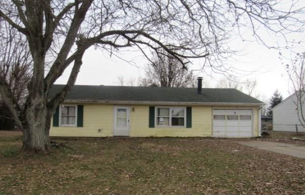 157 Meadow Place, Hope, IN 47246 (MLS #21615376) :: Mike Price Realty Team - RE/MAX Centerstone