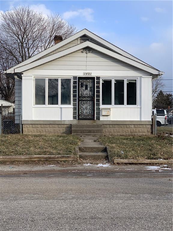 1401 N Somerset Avenue, Indianapolis, IN 46222 (MLS #21617046) :: Richwine Elite Group