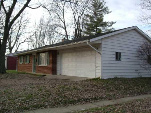 9826 Conway Drive, Indianapolis, IN 46235 (MLS #21618320) :: Richwine Elite Group