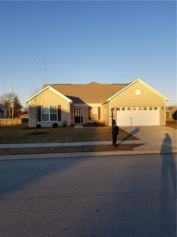 1626 Galway Circle, Avon, IN 46123 (MLS #21618511) :: Mike Price Realty Team - RE/MAX Centerstone