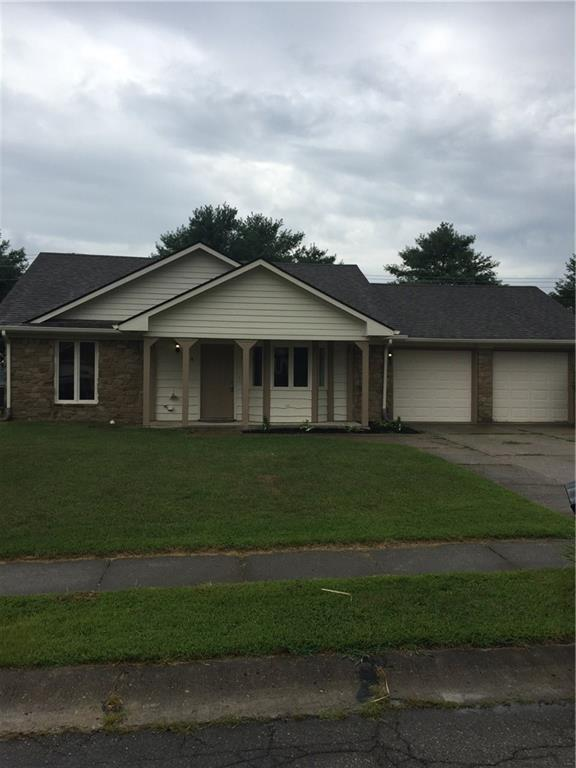 299 Christina Drive, Whiteland, IN 46184 (MLS #21619924) :: Mike Price Realty Team - RE/MAX Centerstone