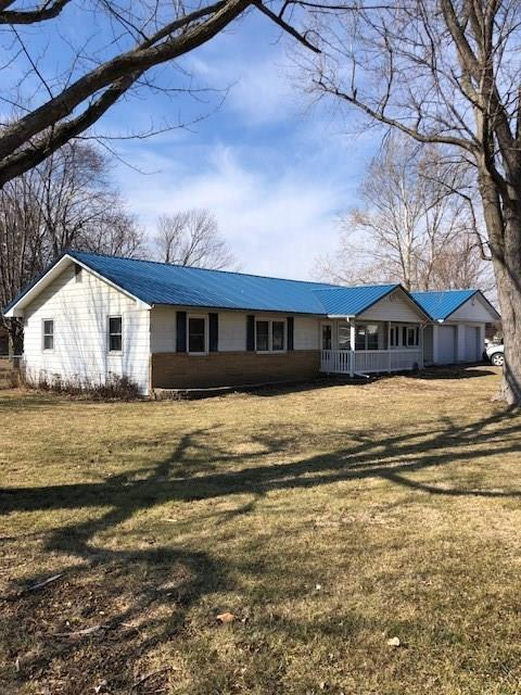 205 S 8th Street, Cayuga, IN 47928 (MLS #21623706) :: The Evelo Team