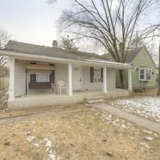 2247 N Leland Avenue, Indianapolis, IN 46218 (MLS #21624005) :: Mike Price Realty Team - RE/MAX Centerstone
