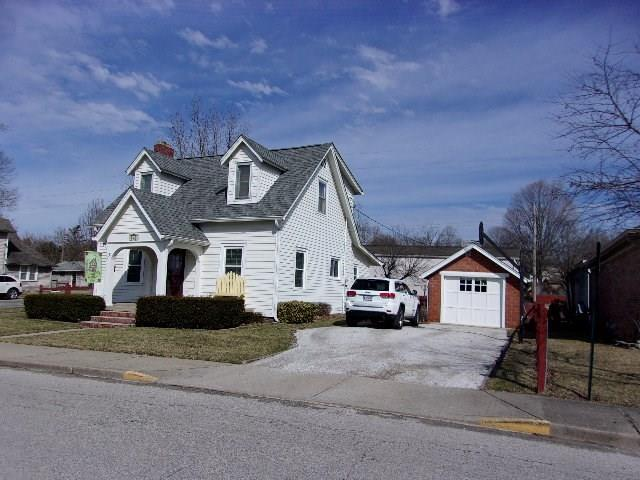 710 E Pike Street, Martinsville, IN 46151 (MLS #21626879) :: Mike Price Realty Team - RE/MAX Centerstone