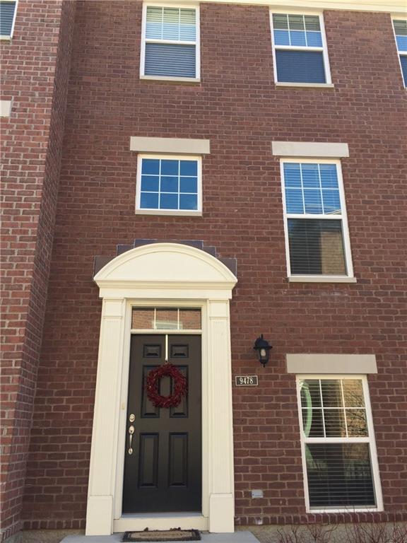 9478 Oakley Drive, Indianapolis, IN 46260 (MLS #21628495) :: FC Tucker Company