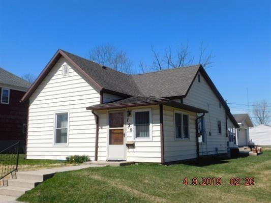 720 W Commercial, Hartford City, IN 47348 (MLS #21631922) :: The ORR Home Selling Team