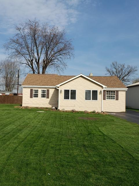 3611 Campbell Street, Plainfield, IN 46168 (MLS #21632799) :: David Brenton's Team