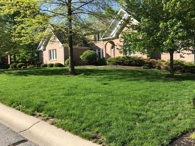 4455 Thicket Trace, Zionsville, IN 46077 (MLS #21638489) :: AR/haus Group Realty