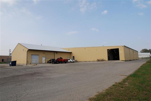 1810 Troy Avenue, New Castle, IN 47362 (MLS #21641387) :: HergGroup Indianapolis