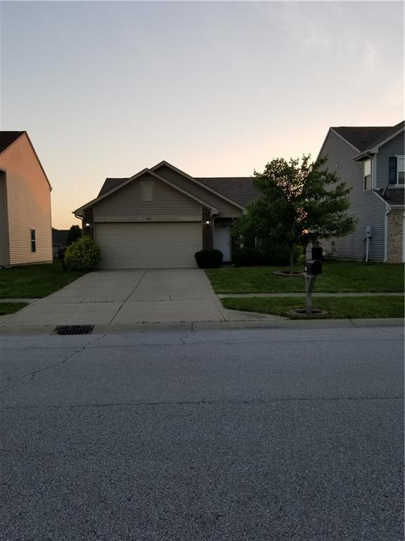1436 Pencross Lane, Greenwood, IN 46143 (MLS #21643072) :: Mike Price Realty Team - RE/MAX Centerstone
