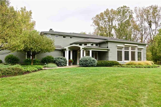 1700 S Ridgeview Drive, Yorktown, IN 47396 (MLS #21646783) :: Mike Price Realty Team - RE/MAX Centerstone