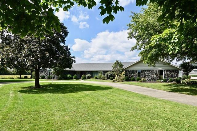 111 S County Road 500 W, Muncie, IN 47304 (MLS #21646816) :: Mike Price Realty Team - RE/MAX Centerstone