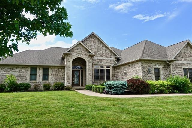 5205 W Shoreline Terrace, Muncie, IN 47304 (MLS #21647268) :: AR/haus Group Realty