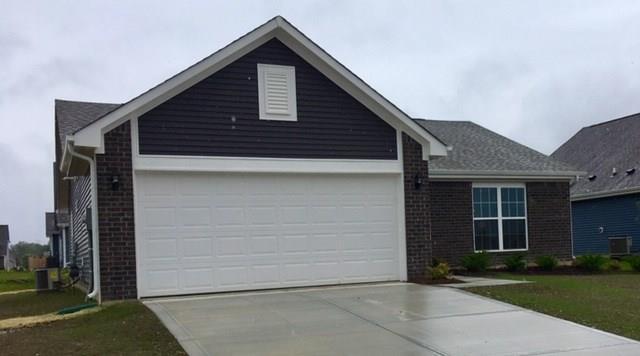 536 Haywood Drive, Greenfield, IN 46140 (MLS #21649468) :: Richwine Elite Group