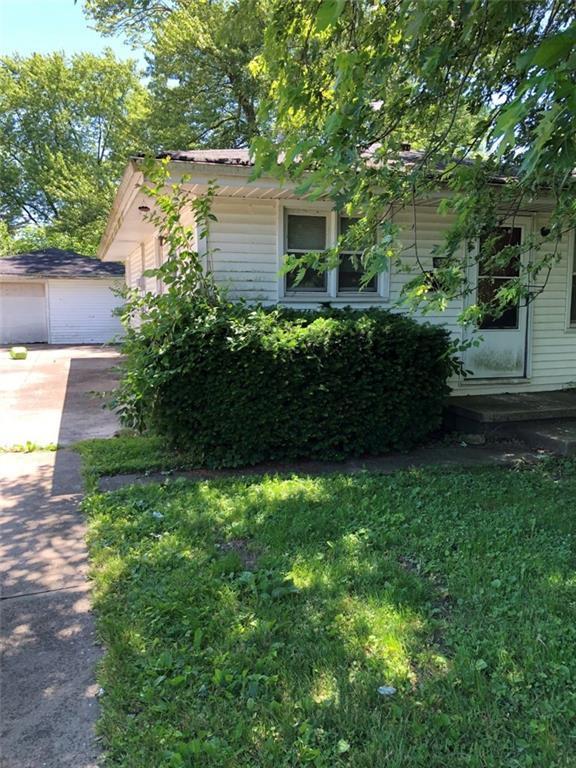 1418 Fairfax Street, Anderson, IN 46012 (MLS #21650174) :: Richwine Elite Group