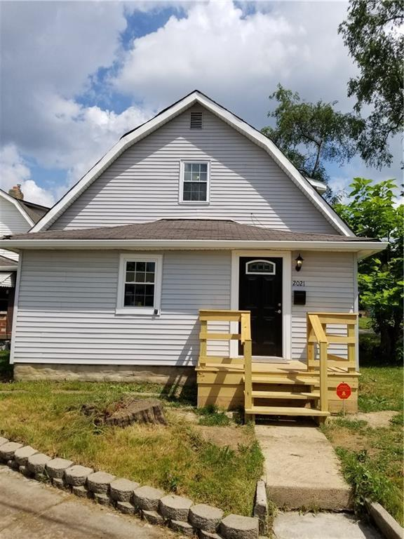 2021 Hillside Avenue, Indianapolis, IN 46218 (MLS #21652775) :: Your Journey Team