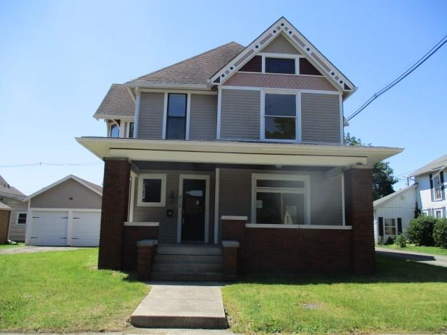 215 W 13th Street, Anderson, IN 46016 (MLS #21654018) :: Richwine Elite Group