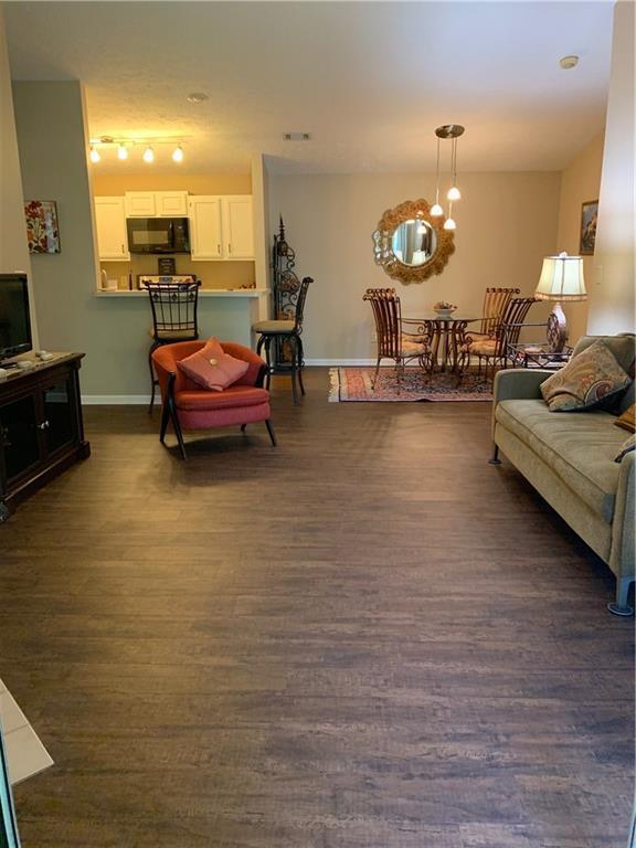 12559 Timber Creek Drive #6, Carmel, IN 46032 (MLS #21654126) :: Heard Real Estate Team | eXp Realty, LLC