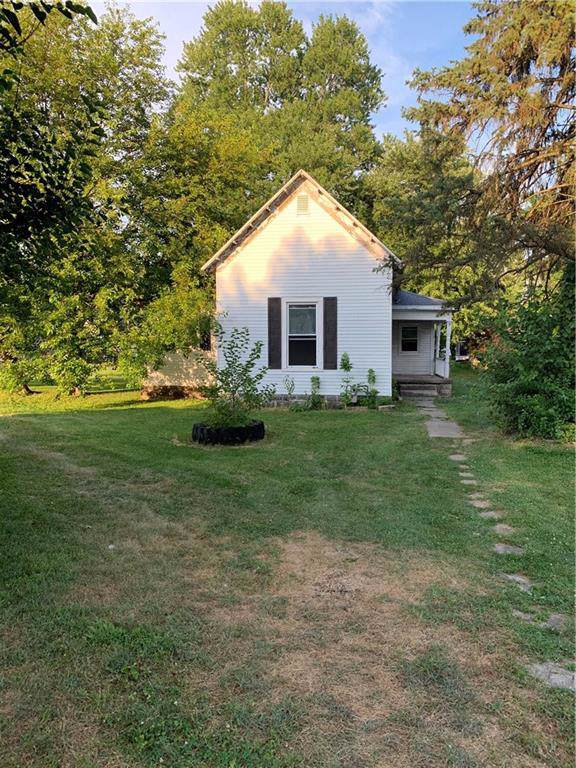 912 N Willow Street, Rushville, IN 46173 (MLS #21654348) :: Mike Price Realty Team - RE/MAX Centerstone