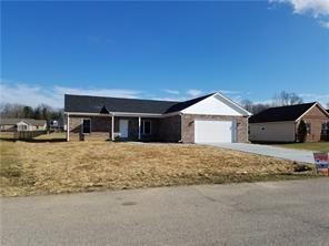3352 Burns Boulevard, Martinsville, IN 46151 (MLS #21654417) :: Richwine Elite Group