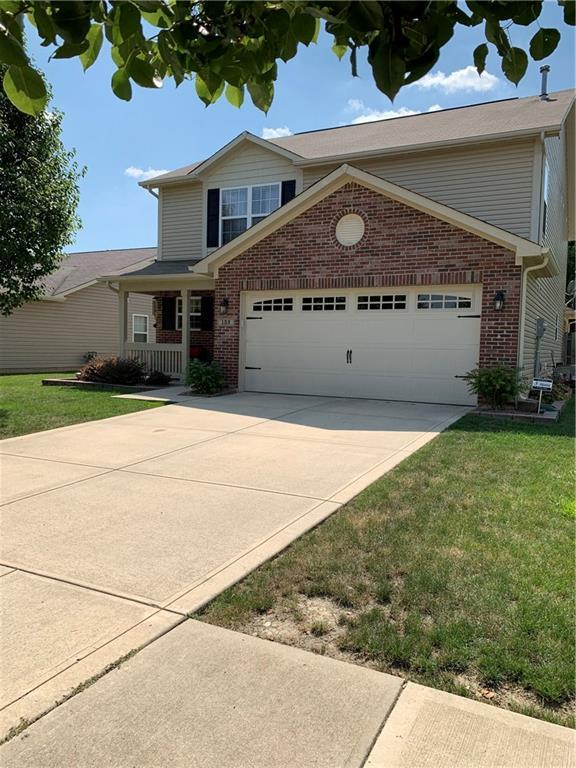 132 Thistlewood Drive, Greenfield, IN 46140 (MLS #21654533) :: Mike Price Realty Team - RE/MAX Centerstone
