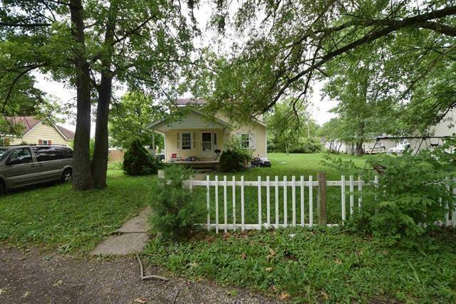 2209 N Buckles Street, Muncie, IN 47303 (MLS #21654713) :: The ORR Home Selling Team