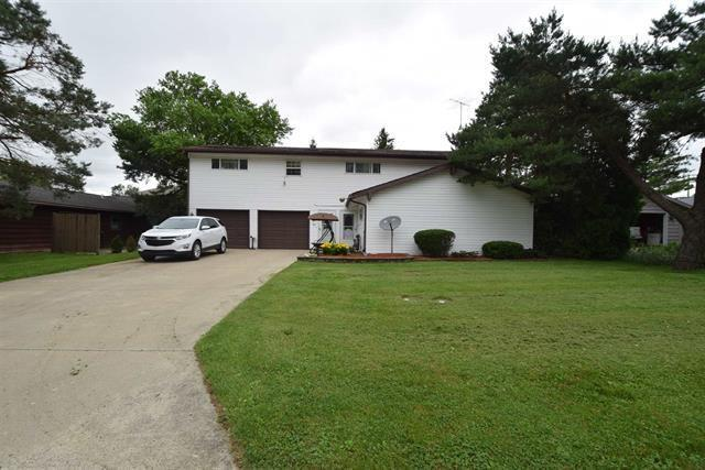 104 W Charter Drive, Muncie, IN 47303 (MLS #21654720) :: The ORR Home Selling Team