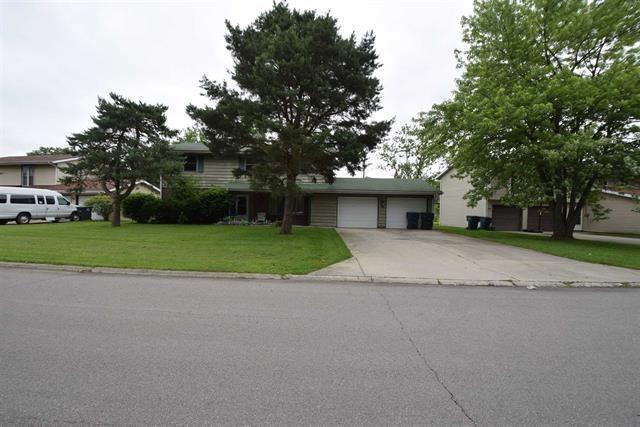 208 W Charter Drive, Muncie, IN 47303 (MLS #21654743) :: The ORR Home Selling Team