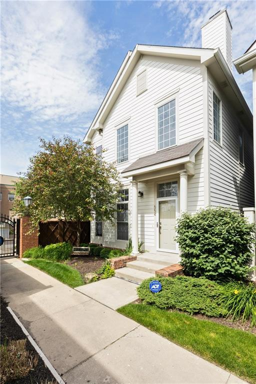654 N Senate Avenue, Indianapolis, IN 46202 (MLS #21654981) :: The ORR Home Selling Team
