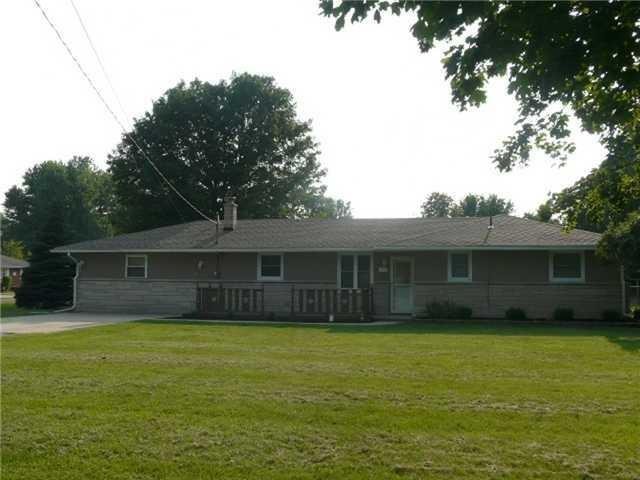 223 S 400 E., Anderson, IN 46017 (MLS #21655242) :: The Star Team | RE/MAX Realty Group