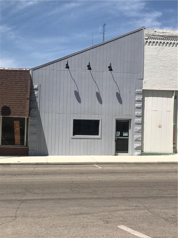 26 N Monroe Street, Williamsport, IN 47993 (MLS #21655261) :: The Star Team | RE/MAX Realty Group