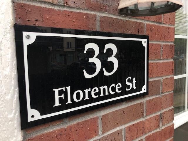 33 Florence Street, Carmel, IN 46032 (MLS #21655874) :: David Brenton's Team