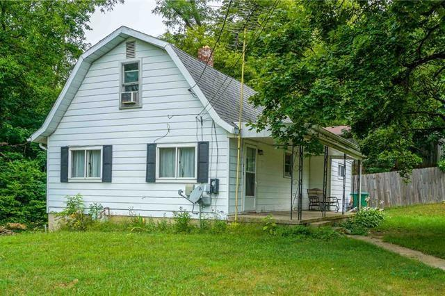 210 Columbia Avenue, New Castle, IN 47362 (MLS #21661620) :: Mike Price Realty Team - RE/MAX Centerstone