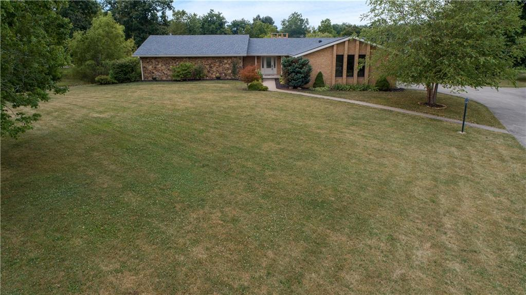 907 Country Club Drive - Photo 1