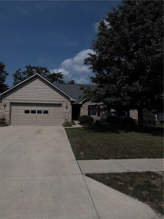 690 Sycamore Street, Brownsburg, IN 46112 (MLS #21670197) :: The Indy Property Source