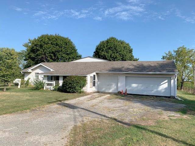 1254 E 400 North, Greenfield, IN 46140 (MLS #21670283) :: The Star Team | RE/MAX Realty Group