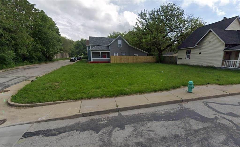 107 Morris Street - Photo 1