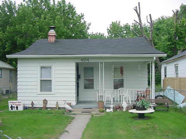 4514 E 17TH Street, Indianapolis, IN 46218 (MLS #21674941) :: FC Tucker Company