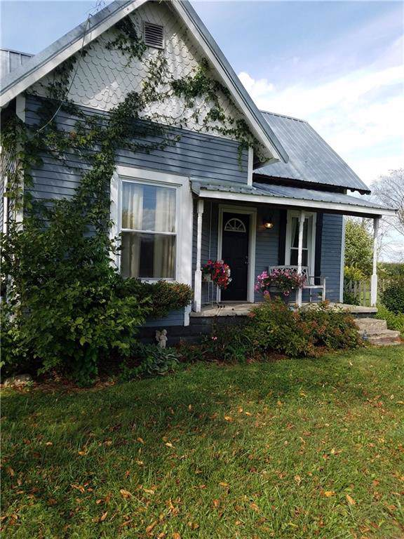 1132 W 300 S, Franklin, IN 46131 (MLS #21675058) :: Mike Price Realty Team - RE/MAX Centerstone