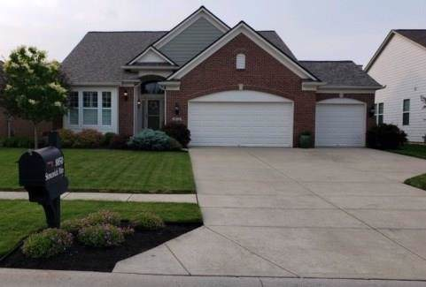 8850 Stonewick Way, Zionsville, IN 46077 (MLS #21675097) :: David Brenton's Team