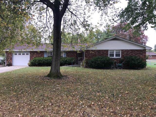 1542 Lady Marian Drive, Seymour, IN 47274 (MLS #21675395) :: Mike Price Realty Team - RE/MAX Centerstone