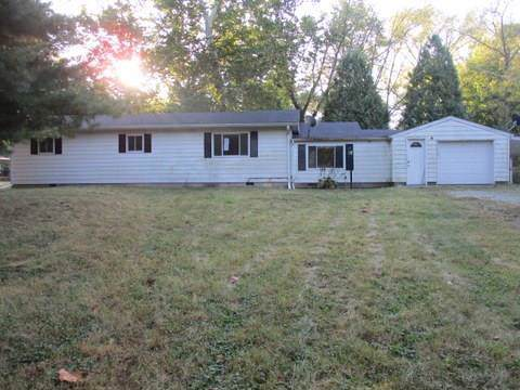 8888 S Birchwood Drive, Knightstown, IN 46148 (MLS #21675816) :: Mike Price Realty Team - RE/MAX Centerstone